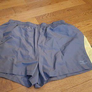 MIZUNO gray and yellow shorts sz L EUC
